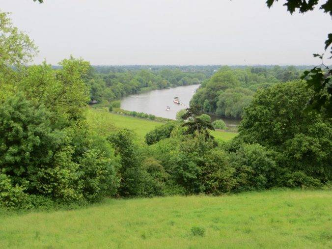 South-west London: Richmond Park & The Thames - Urban Rambles
