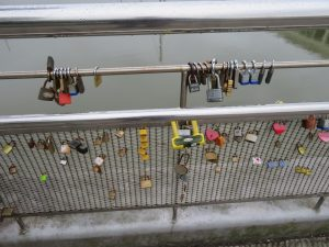 peros bridge key craze